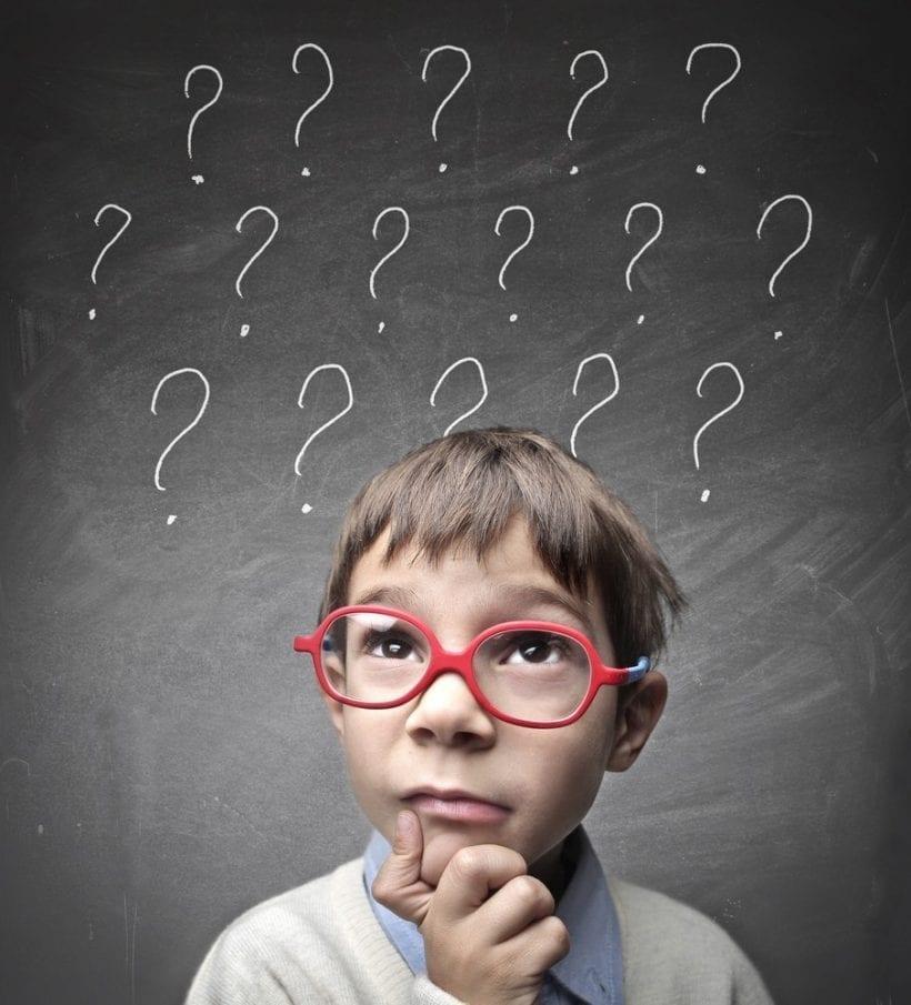 Dziecko pyta o wszystko. Takie jego prawo.